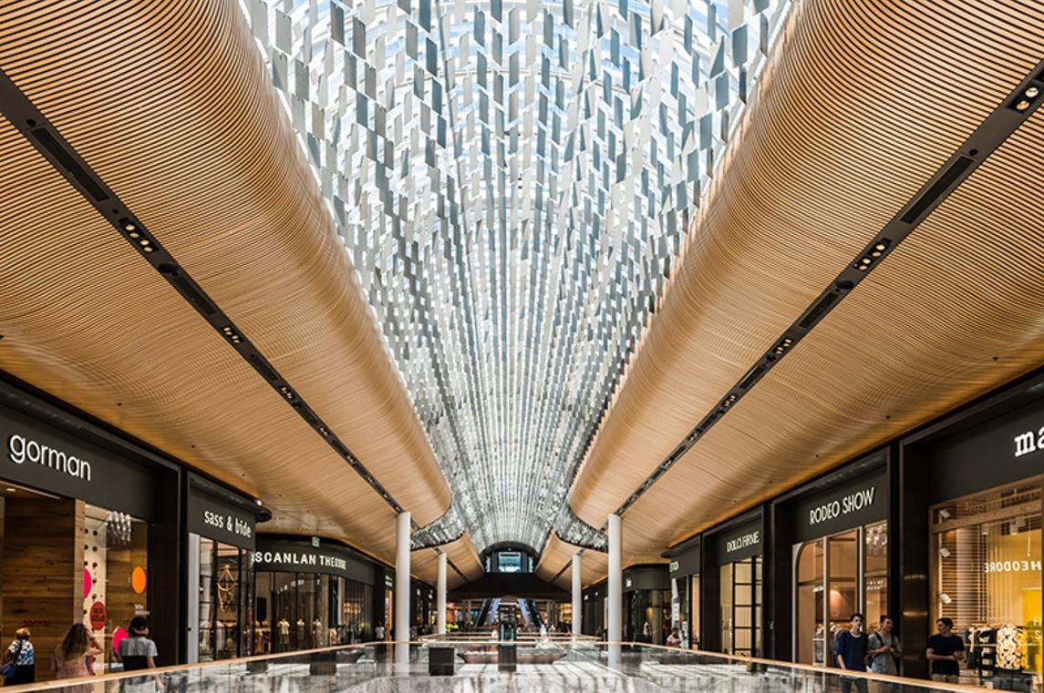 Eastlands Shopping Centre - Feature Ceiling - Chandelier3