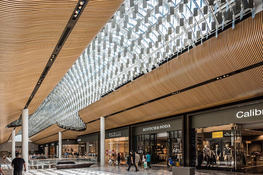 Eastlands Shopping Centre - Feature Ceiling - Chandelier4