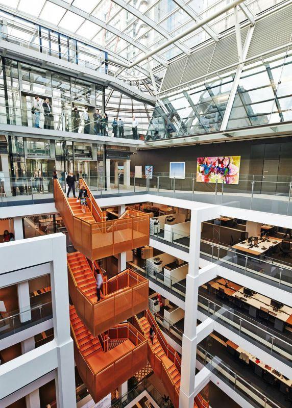 Macquarie Bank HQ - Internal Stairs5
