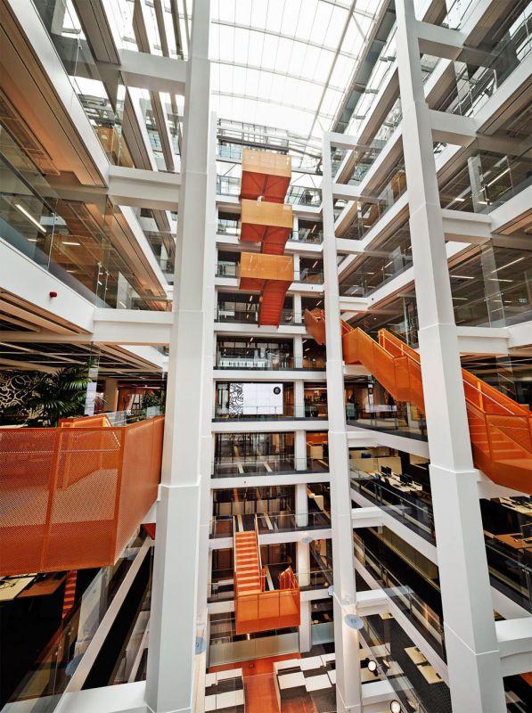Macquarie Bank HQ - Internal Stairs6